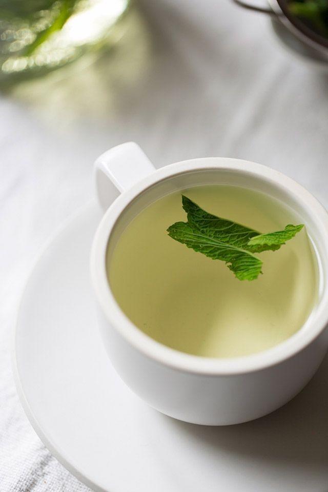 Per mantenere una buona idratazione è consigliabile il té alla menta, che è anche rinfrescante