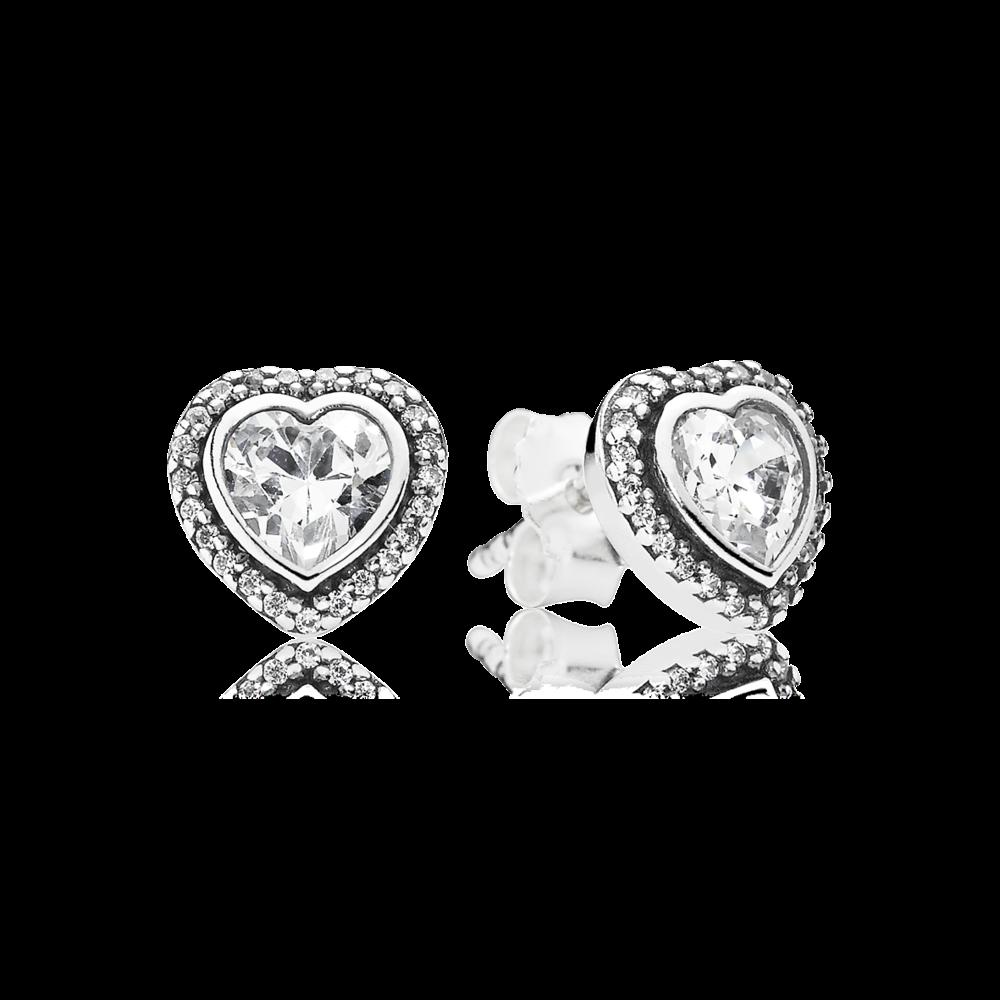 Orecchini a lobo a forma di cuore in argento sterling e 2 zirconia cubica a forma di cuore con 46 zirconia cubica in micro pavè. Indassali con la collana con pendente e con l'anello abbinati.