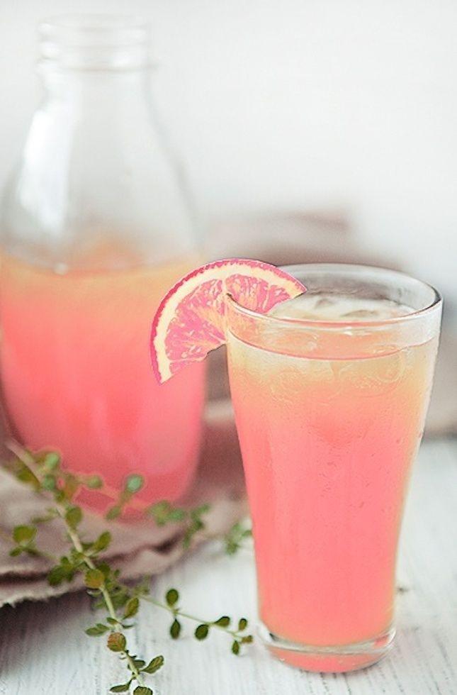 Per l'estate Ottimi anche gli alimenti rossi come pomodori, peperoni, radicchio, cipolla rosa, fragole, ravanelli e pompelmo rosa.