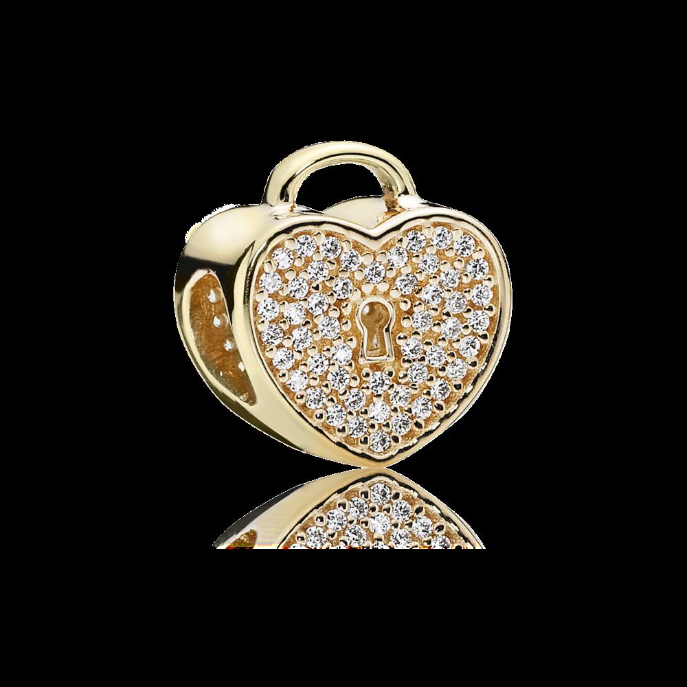 Indossa o condividi questo dolce sentimento di affetto. Magnificamente lavorato a mano in oro 14k, questo luminoso charm a forma di lucchetto di PANDORA è rifinito a mano con zirconi con incassatura a pavé.