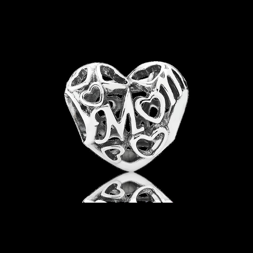 Manda un messaggio d'amore alla tua Mamma grazie a questo meraviglioso charm Openwork in argento sterling con lavporazione a filigrana. L'intricato disegno forma dei cuori e la scritta Mom, dolcissimo.