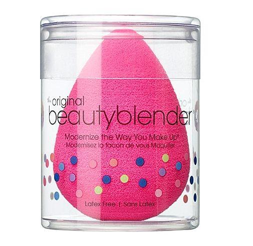 La Beauty Blender in vendita da Sephora è l'ideale per stendere il fondotinta in maniera uniforme e per un effetto naturale