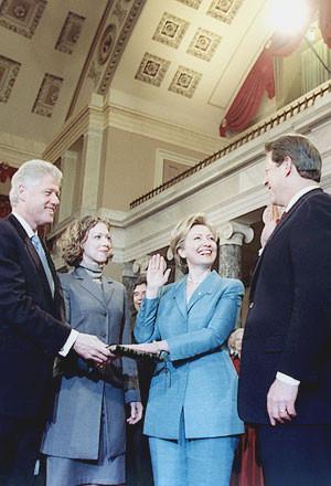 Le giacche di Hillary si allungano all'inizio della carriera politica