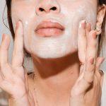 Per avere una pelle in ottima forma in vista dell'estate si parte dalla detersione.