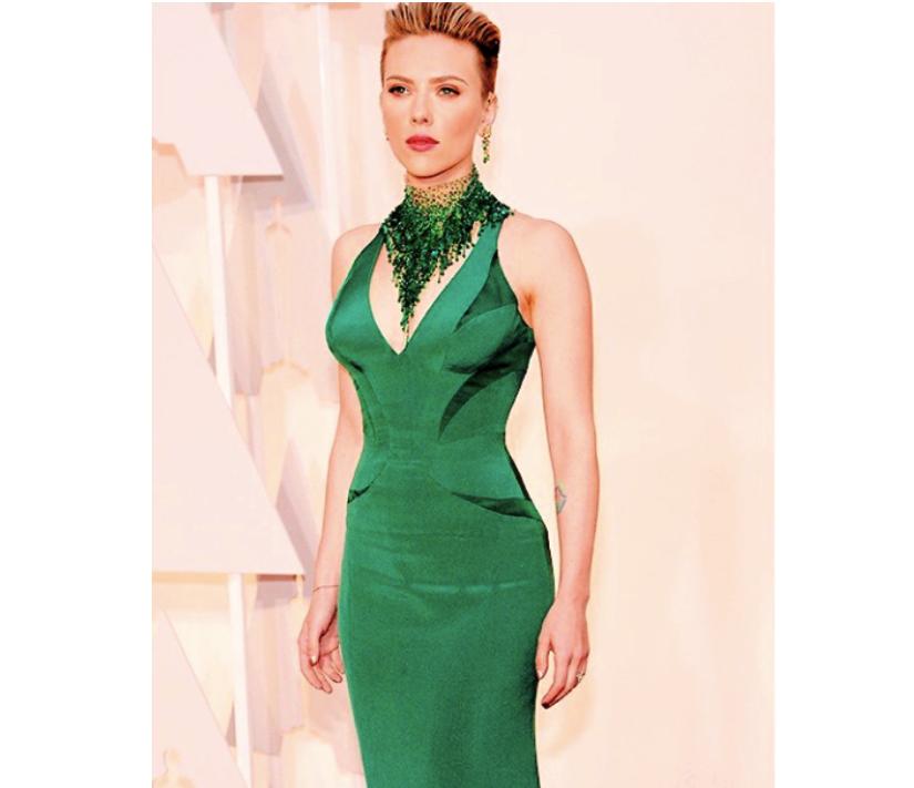 Scarlett Johansson con il suo nuovo taglio di capelli_Oscar 2015