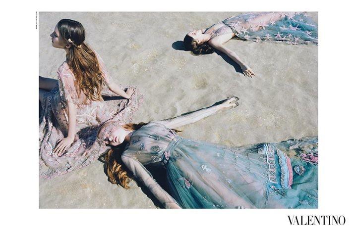 Le sirene di Valentino, look trasparenti