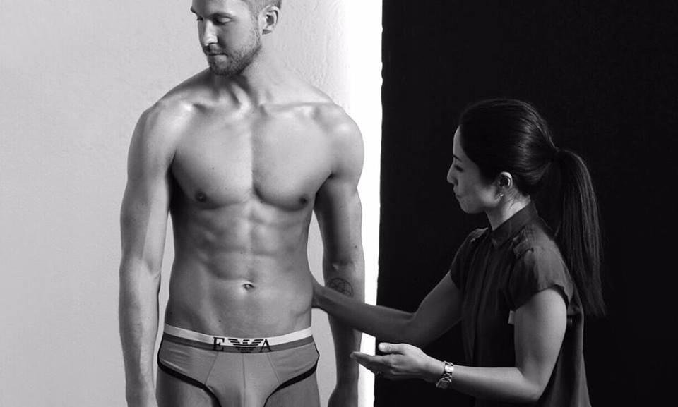 Calvin Harris posa per Armani nella campagna intimo uomo 2015