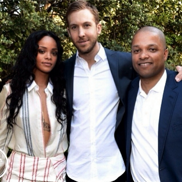 Calvin Harris con la popstar Rihanna con cui ha inciso We Found Love