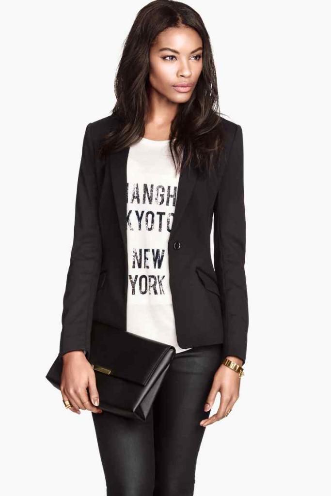 Jeans nero con t-shirt e giacca_H&M