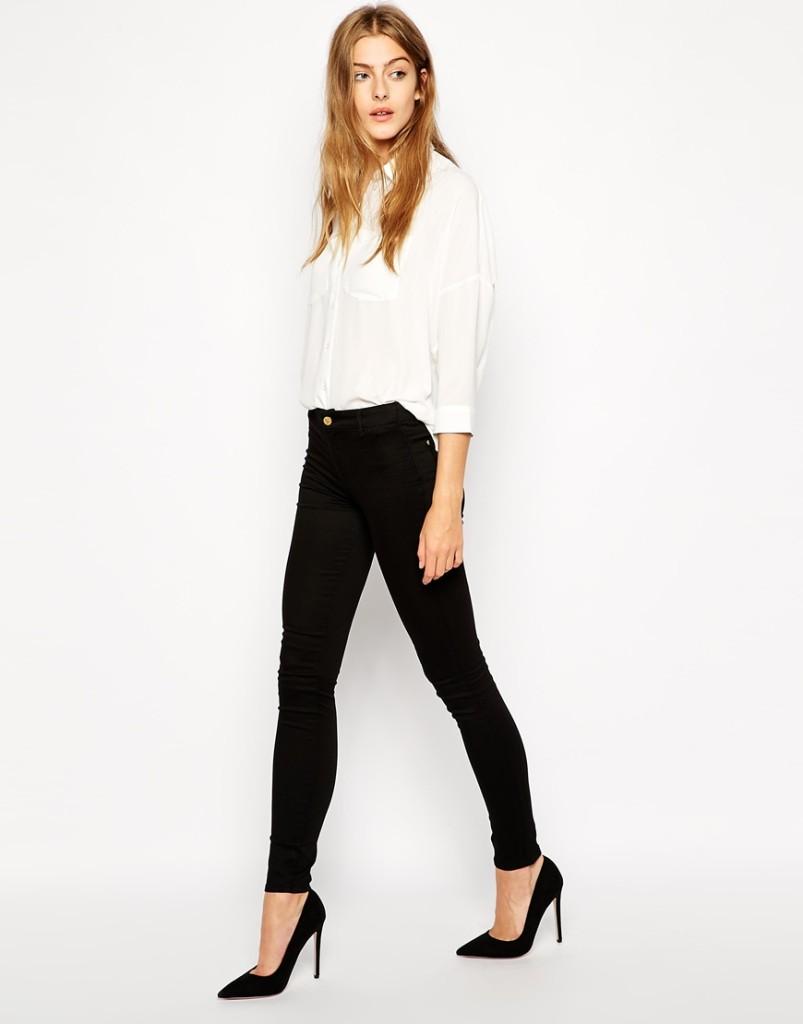 Jeans nero con camicia bianca_Asos