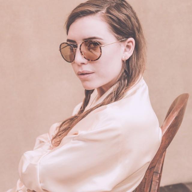 Capelli semi intrecciati per la cantante Lykke Li