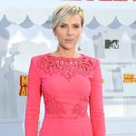 Scarlett Johansson con i capelli corti