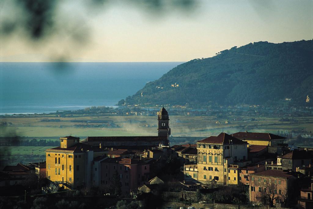 Panorama del borgo di Castelnuovo Magra