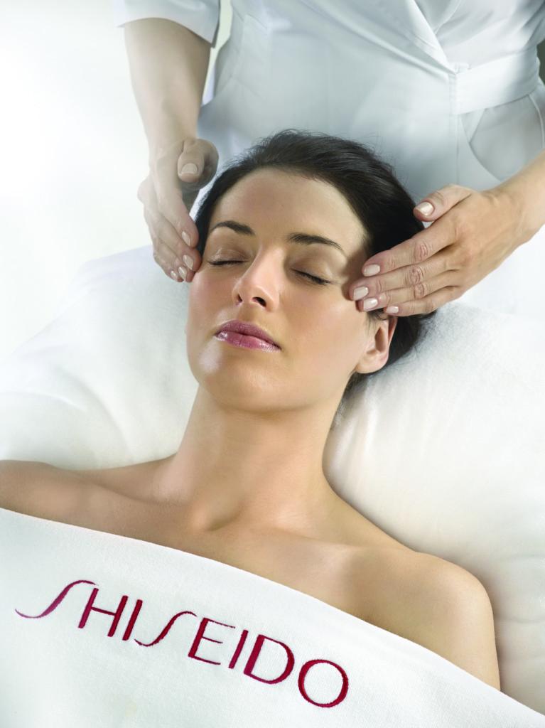Massaggio viso rilassante
