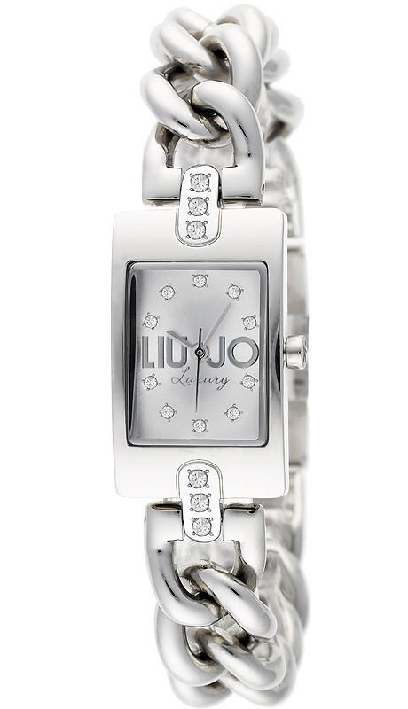 Kira_ Argento E' moderno, segna il tempo senza tempo e il quadrante rettangolare esalta uno charme dall'anima multiforme: un bracciale, un orologio, un accessorio, con un'allure delicatamente vintage.
