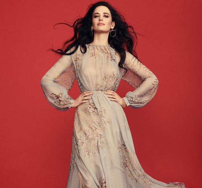 Copia il look di Eva Green  la bellissima Morgana nella serie tv Camelot 717cb1d9c41