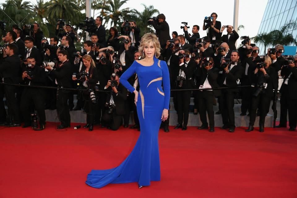Jane Fonda in blu e