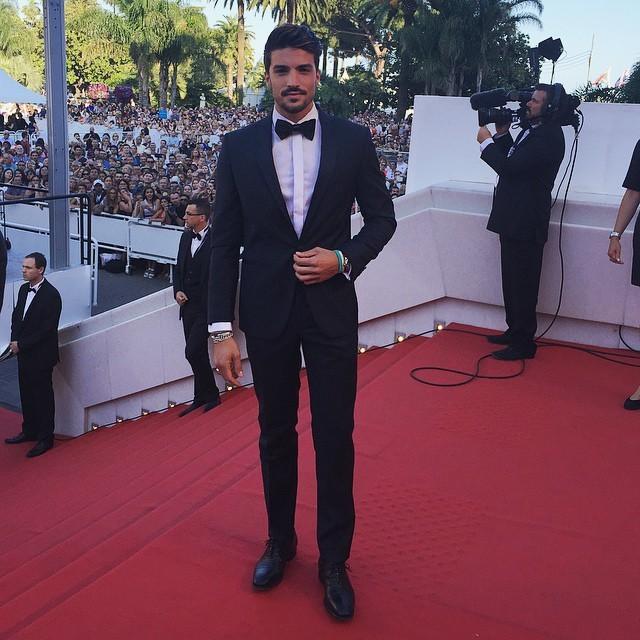 Il fashion blogger Mariano Di Vaio impeccabile sul red carpet: bravo Mariano!