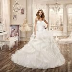 Nicole spose collezione 2016 modello con corpetto in pizzo bianco