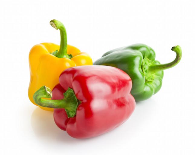 i peperoni, succosi e gustosi, sono una fonte naturale di ferro e vitamina C