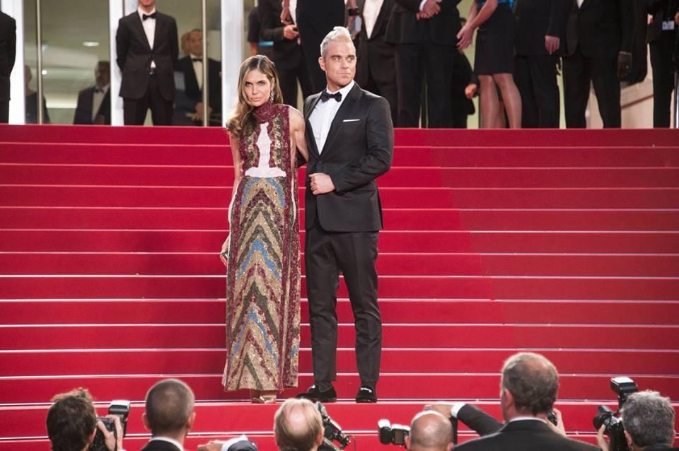 Robbie Williams e la moglie Ayda Field in Valentino