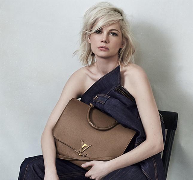 Michelle Williams e la nuova Messenger firmata Louis Vuitton