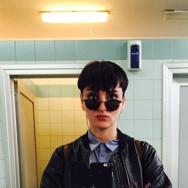 Selfie con capelli cortissimi per Arisa