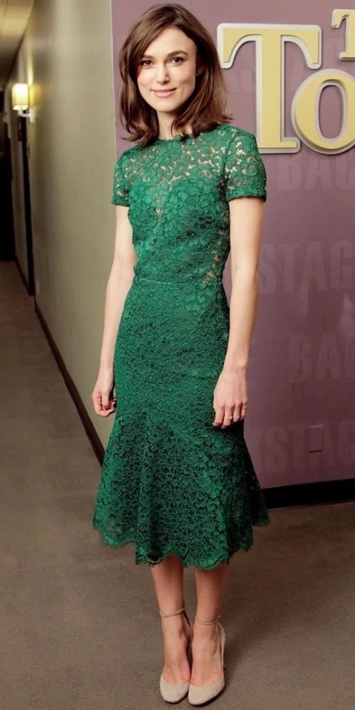 Vestito di lunghezza midi verde smeraldo con trasparenze