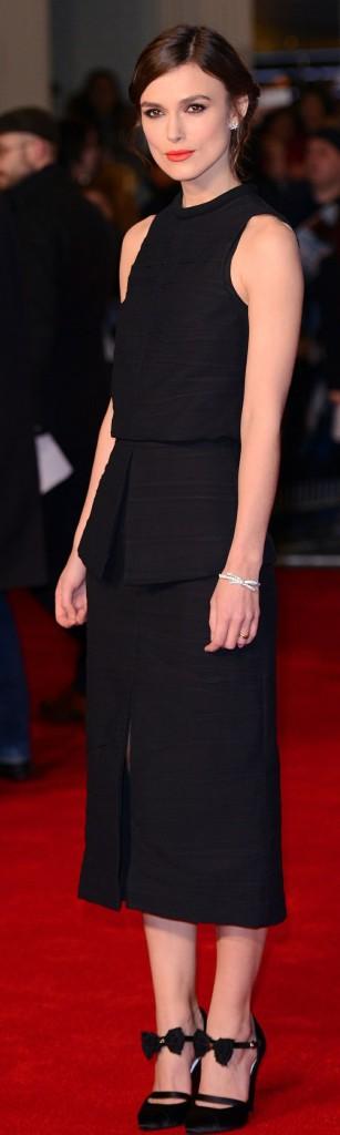 Keira Knightley in nero