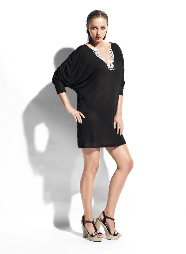 caftano nero semitrasparente con scollo gioiello_Parah