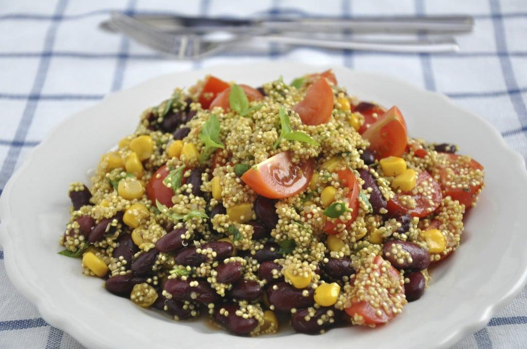 Insalata di quinoa alla messicana