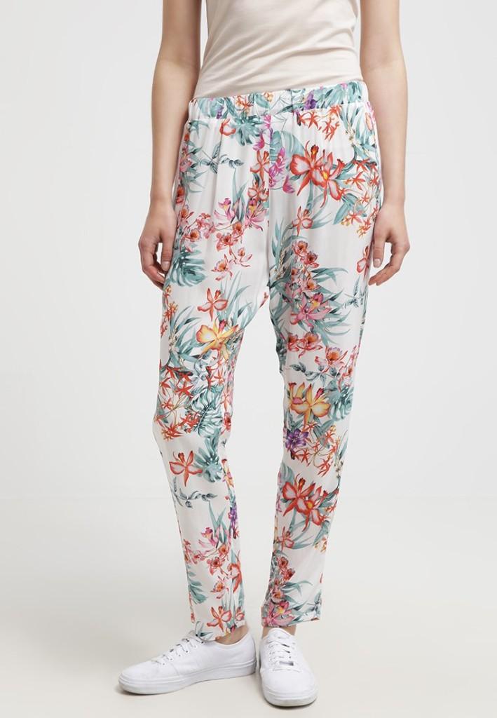 Pantaloni benetton per copiare il look di Keira