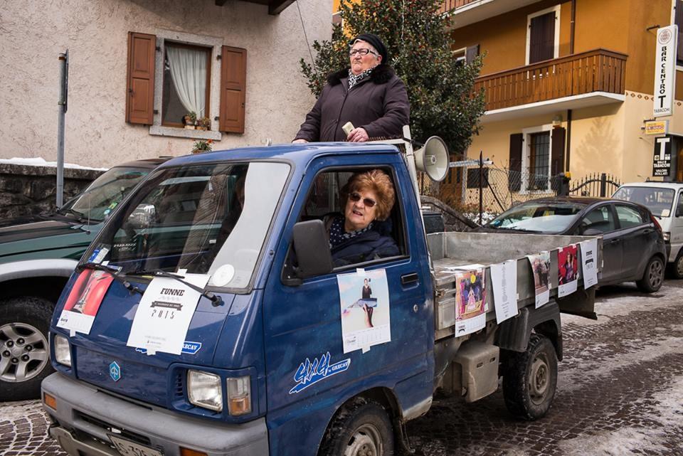 La foto scelta per festeggiare il raggiungimento della quota prefissata, 3mila euro