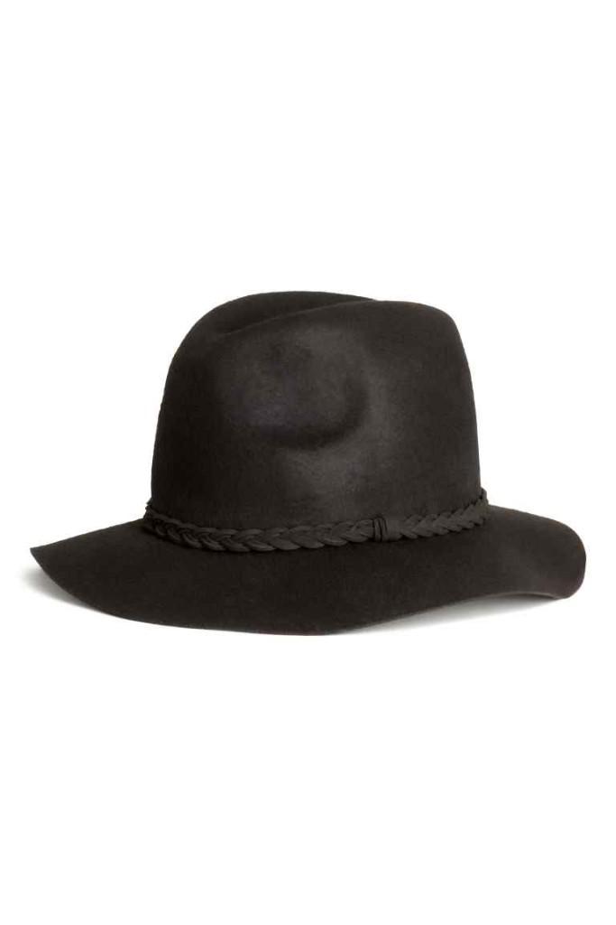 Un accessorio che fa la differenza, il cappello.