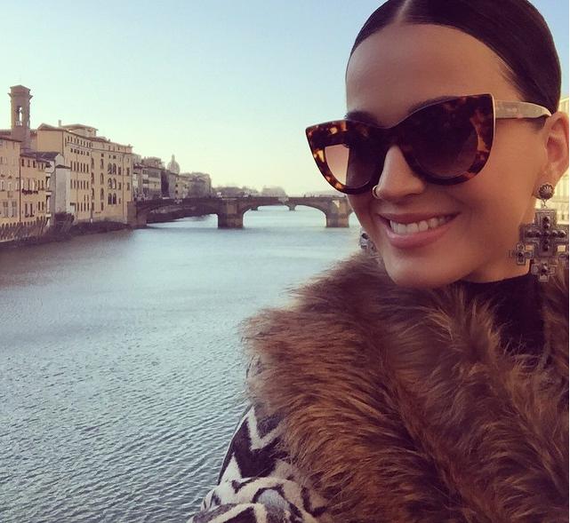 Il Ponte Vecchio fa da sfondo a Katy Perry