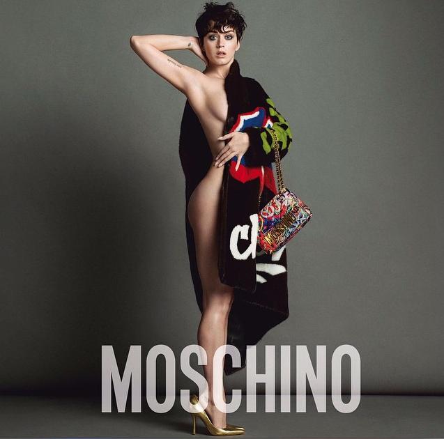 Vestita ma anche svestita Moschino grazie allo styling di Carlyne Cerf De Dudzeele