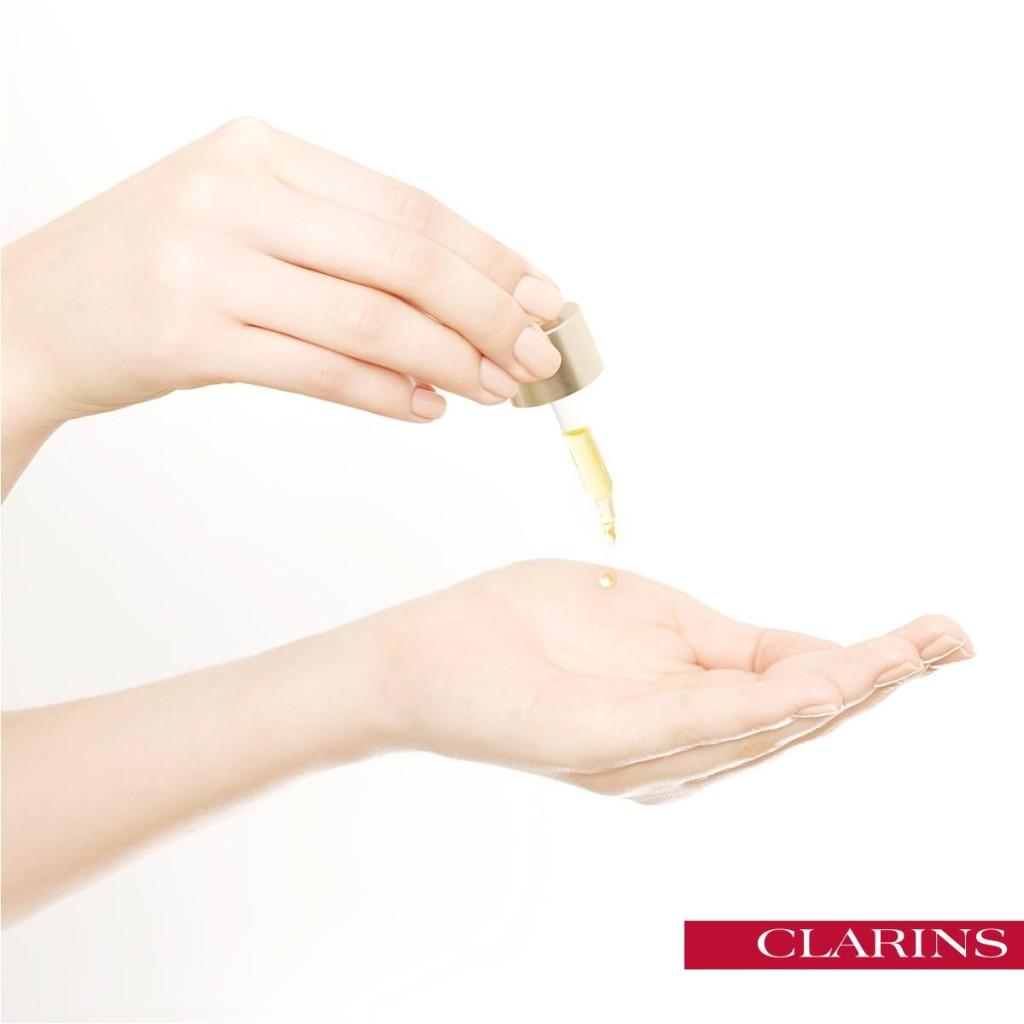 Clarins - Il siero è un prodotto molto concentrato, poche gocce bastano per tutto il viso