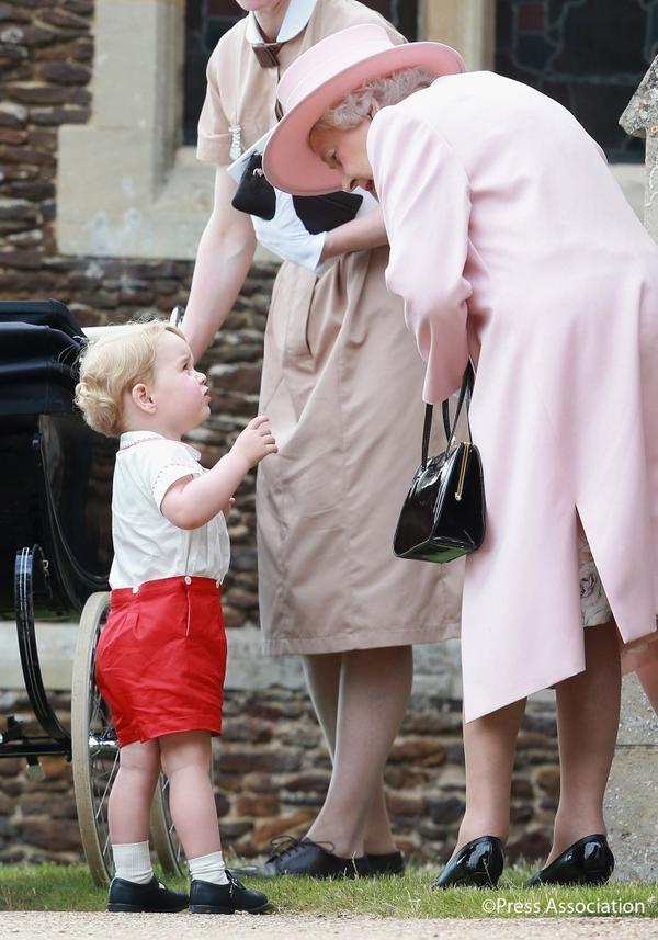 Il piccolo George con la nonna Elisabetta