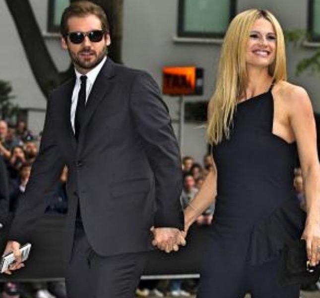 Michelle Hunziker mano nella mano con Tomaso Trussardi