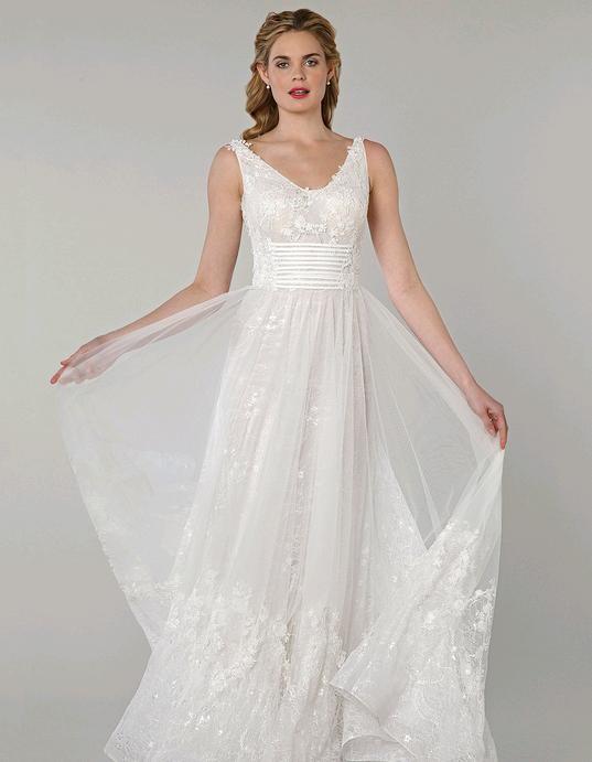 abito da sposa bianco con fascia sotto il seno