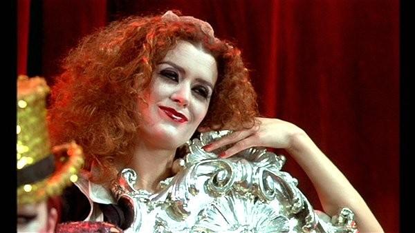 Il make up di Magenta in The Rocky Horror Picture Show è intenso e aggressivo