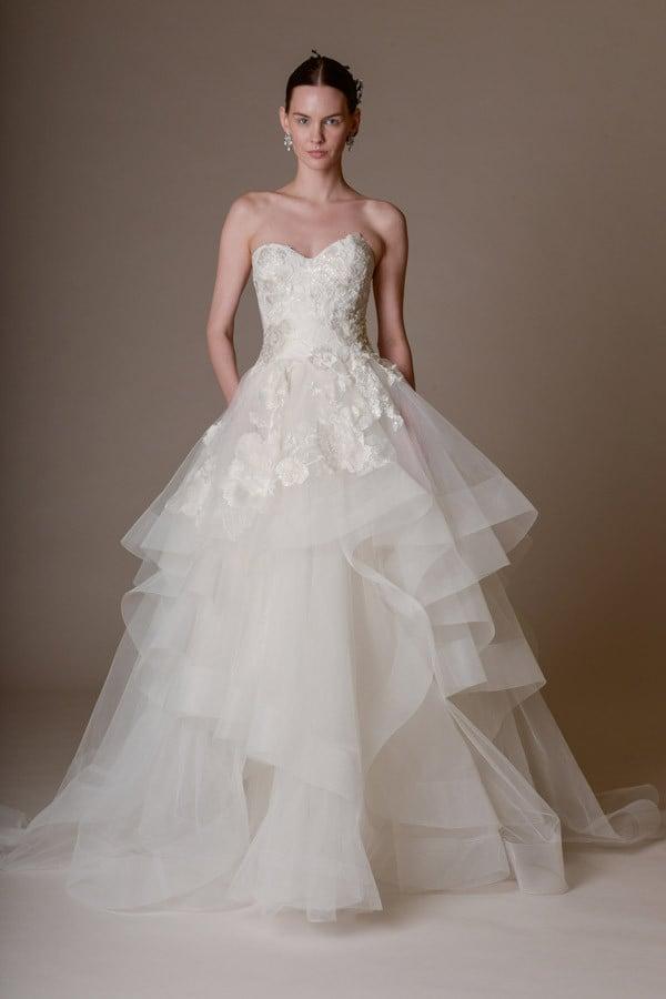 Abito da sposa con corpetto a cuore e splendidi inserti luminosi
