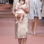 Outfit uguali per mamma e figlia
