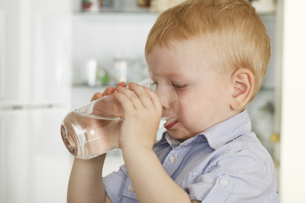cosnigli per far bere i bambini in estate