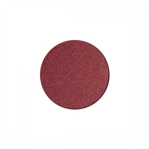 Daphne n°2 di Nabla è un color borgogna intenso che si abbina perfettamente agli occhi verdi e ai capelli rossi.