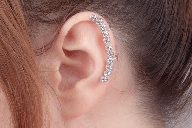 Ear cuff con cristalli e clips, si usa senza foro, di Milky-Peach 10,50 euro su Dawanda