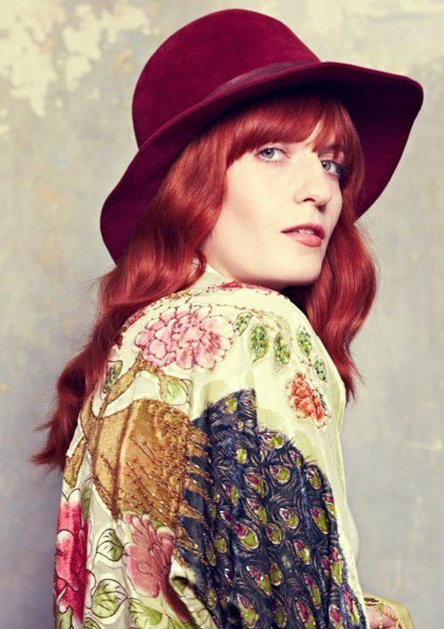 La cantante Florence Welch è fan dei capelli rossi, dal rame al mogano, rappresentano per lei la sua vera essenza