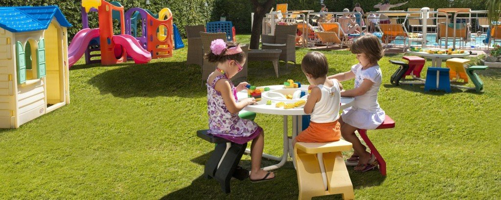 Hotel 2000 a Riccione offre un pediatra per consultazione e aree spazio giochi