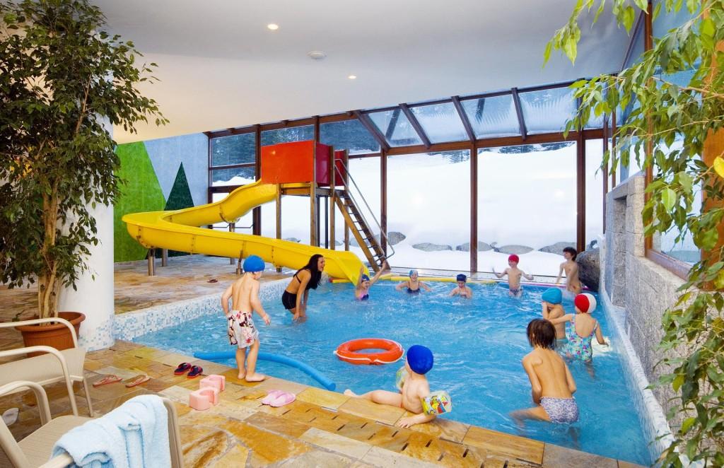 Hotel carlo Magno  SPA & Resort a Madonna di Campiglio, la piscina dei bambini
