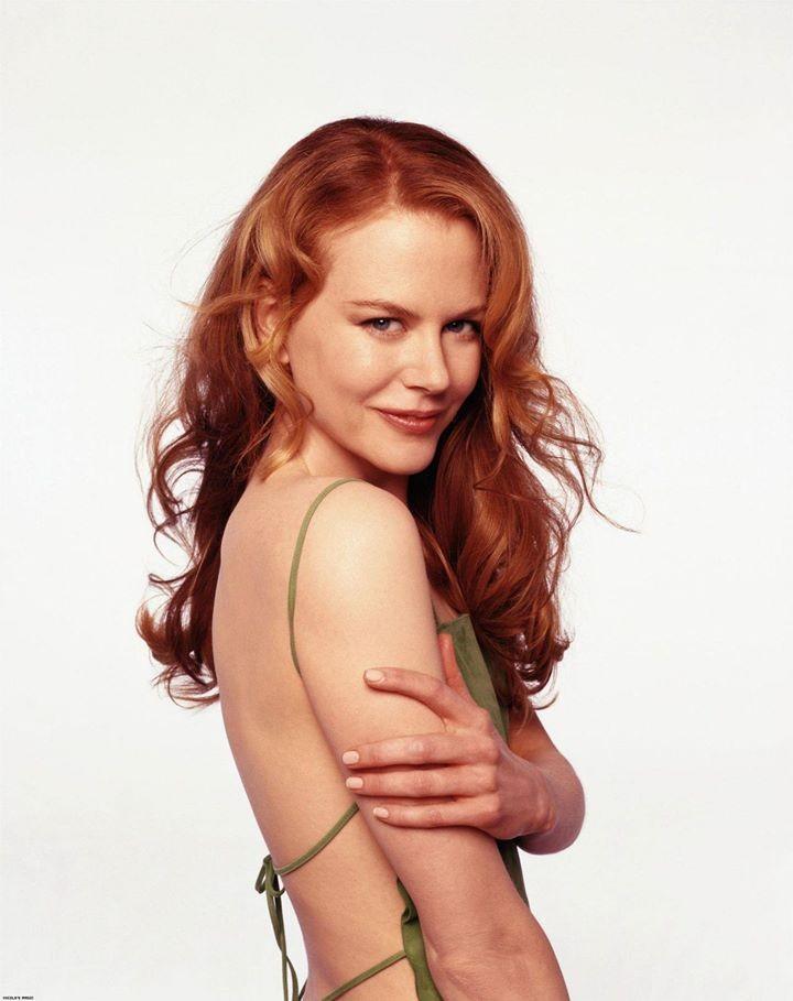 Nicole Kidman ha sempre avuto una sfumatura rossiccia nei suoi capelli ma in alcuni periodi è apparsa di un rosso rame luminoso che le donava molto.